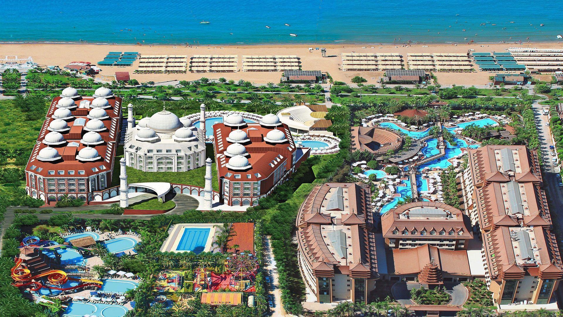 Www Royal Dragon Hotel Side